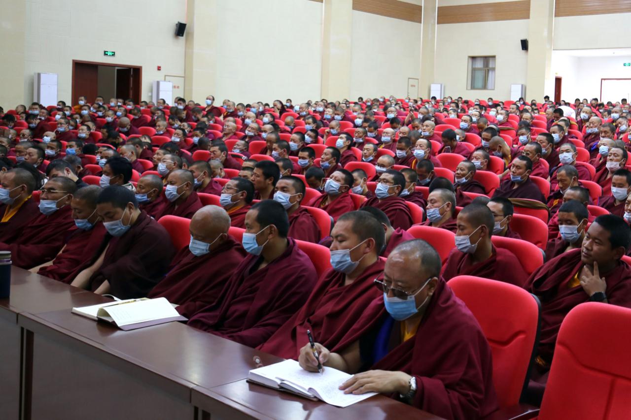 西藏佛学院举行2021年新学员开学典礼