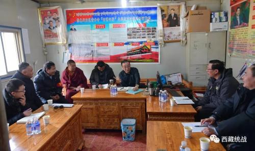 3月24日,旦科前往那曲市巴青縣龍卡寺調研寺廟管理工作。