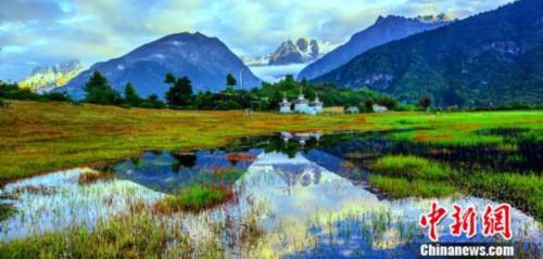 """为旅游事业的奋斗者举办颁奖盛典 西藏日喀则再打""""旅游牌"""""""