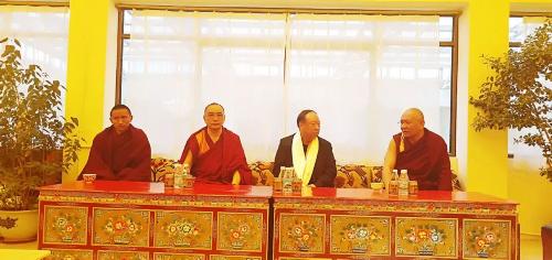 青海省藏语系佛学院领导赴萨迦寺考察和调研工作