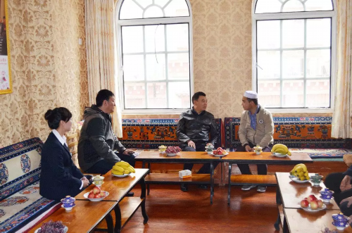 昌都市委常委、统战部部长泽仁俊美赴卡若区调研统战民宗工作