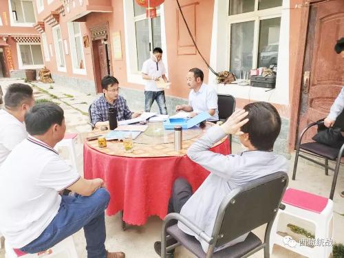 昌都市委常委、江达县委书记黎世江调研寺庙管理工作