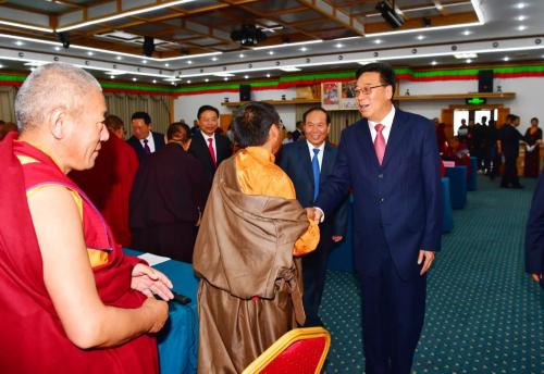 吴英杰接见新当选的佛协西藏分会第十一届理事会班子成员