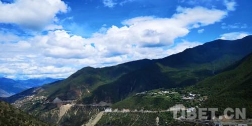 探访藏传佛教尼姑寺――塔巴林寺