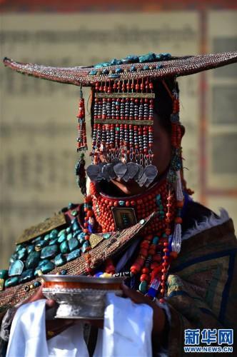 (文化)(5)孔雀服饰――穿在身上的千年历史