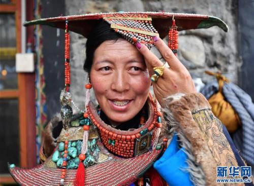 孔雀服饰——穿在身上的千年历史(图)