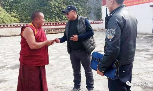 比如县委常委、统战部部长旦增旺加一行走访慰问藏传佛教代表人士和特困僧尼