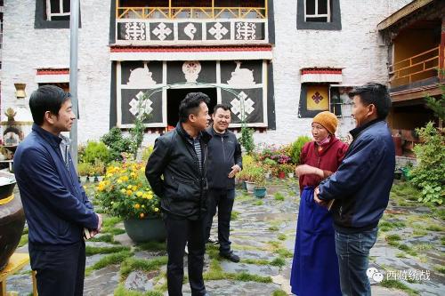 琼结县委书记安兴国带队指导检查宗教领域工作