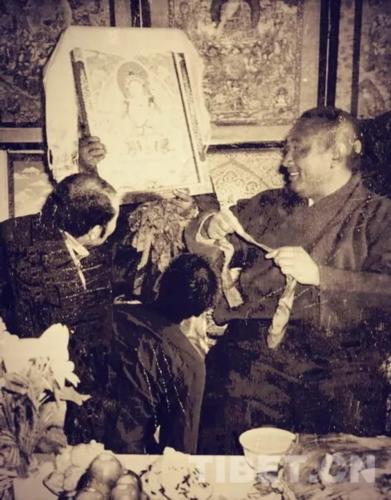 桑杰本:追忆十世班禅大师与热贡唐卡艺术