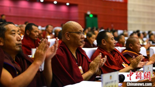 西藏政协宗教界委员积极建言资政