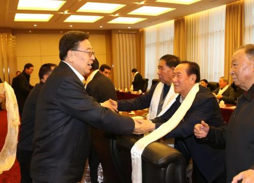 自治区领导与离退休老同志座谈 吴英杰讲话
