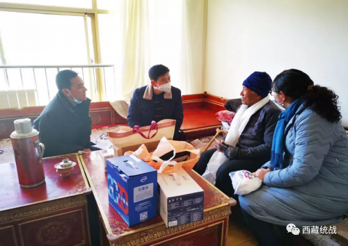瓊結縣委統戰部開展歸國藏胞、宗教領域離退休干部走訪慰問活動