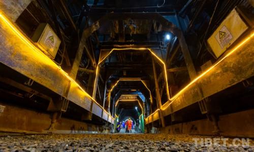 川藏铁路拉林段隧道全部贯通