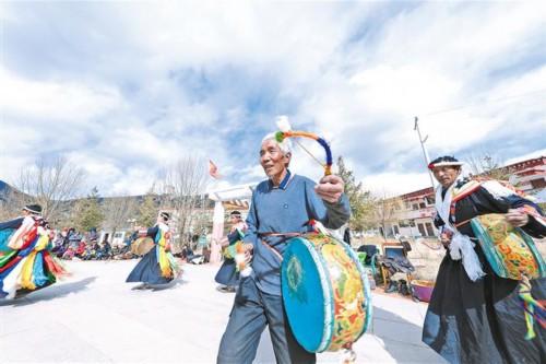 西藏拉薩市墨竹工卡縣近年來積極保護傳承當地非物質文化遺產 成效顯著