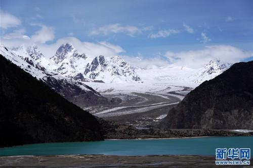 (美麗中國)(2)遠眺來古冰川