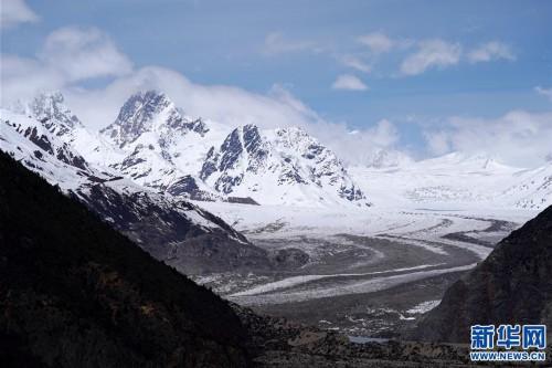 (美麗中國)(7)遠眺來古冰川