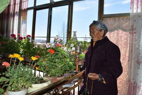 坚守与新生——西藏农奴制社会经历者说