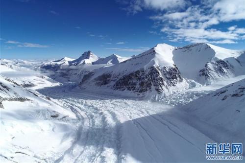 (2020珠峰高程测量·新华视界)(3)雪后珠峰东绒布冰川
