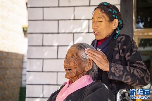 """(圖片故事)(6)109歲翻身農奴索朗卓瑪見證""""世界屋脊""""百年風雨"""