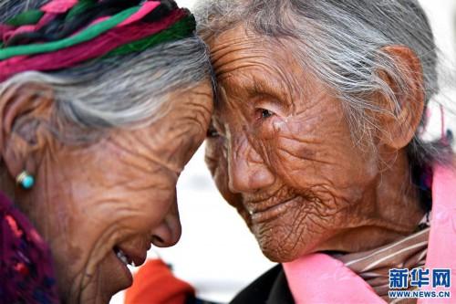 """(圖片故事)(3)109歲翻身農奴索朗卓瑪見證""""世界屋脊""""百年風雨"""