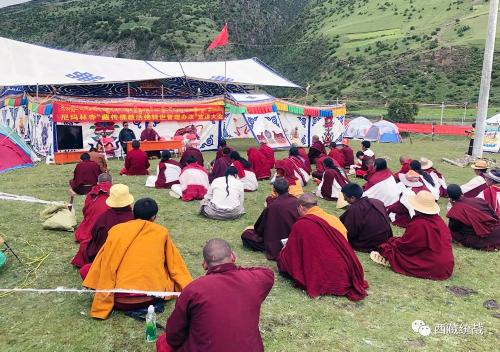 那曲市索縣尼瑪林寺管委會開展《藏傳佛教活佛轉世管理辦法》宣講活動