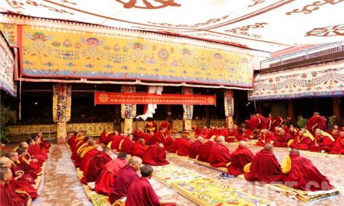 """西藏12名僧人獲得""""格西拉讓巴""""藏傳佛教最高學位"""