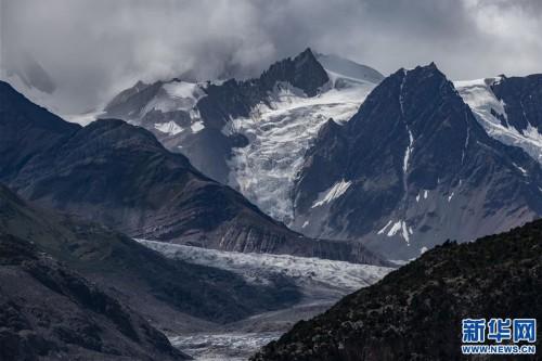 壮美的来古冰川