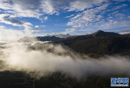 西藏:邦达草原的清晨