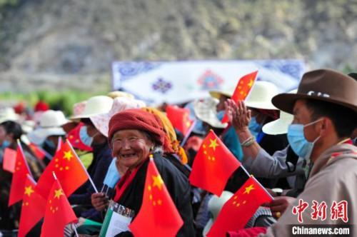 """""""望果拉萨"""":西藏农牧民丰收时节晒幸福"""