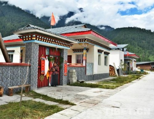 """""""新生""""的西藏卡地村"""