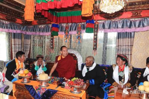 班禅额尔德尼·确吉杰布圆满结束在藏佛事和社会活动离藏返京