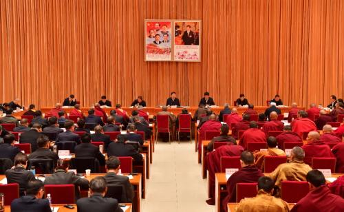 吴英杰出席全区宗教界代表人士座谈会