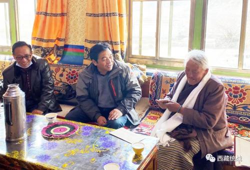区归国藏胞接待委员会节前赴山南市开展慰问藏胞活动