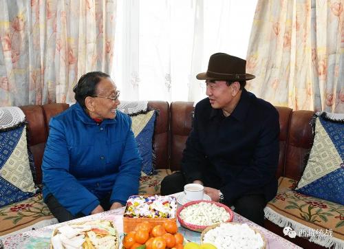 旦科看望慰问在拉省级领导干部和各领域党外代表人士时强调:始终与党同心同向同行 为西藏长治久安和高质量发展作出积极贡献
