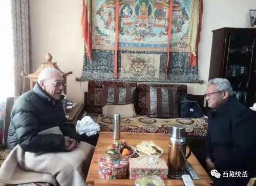 拉萨市委常委、统战部部长阿努次仁看望慰问定居藏胞及藏胞境内亲属代表