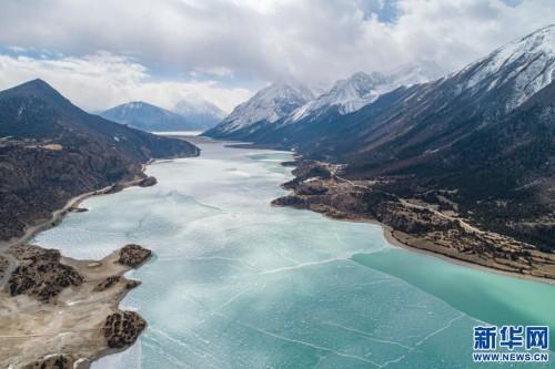 西藏昌都市八宿县 冰雪然乌湖