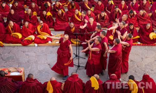13名考僧晋升藏传佛教格鲁派最高学位格西拉让巴
