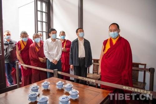 班禅:铸牢中华民族共同体意识 不断提升宗教中国化水平