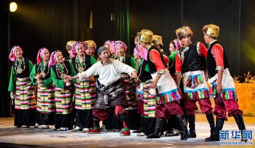 拉萨:县村文艺团体汇演一较高下