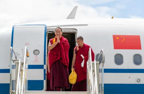 班禅额尔德尼·确吉杰布抵藏开展社会和佛事活动