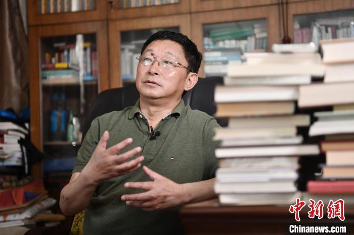 阿来接受<a target='_blank' href='http://www.chinanews.com/' _fcksavedurl='http://www.chinanews.com/' ><p  align=