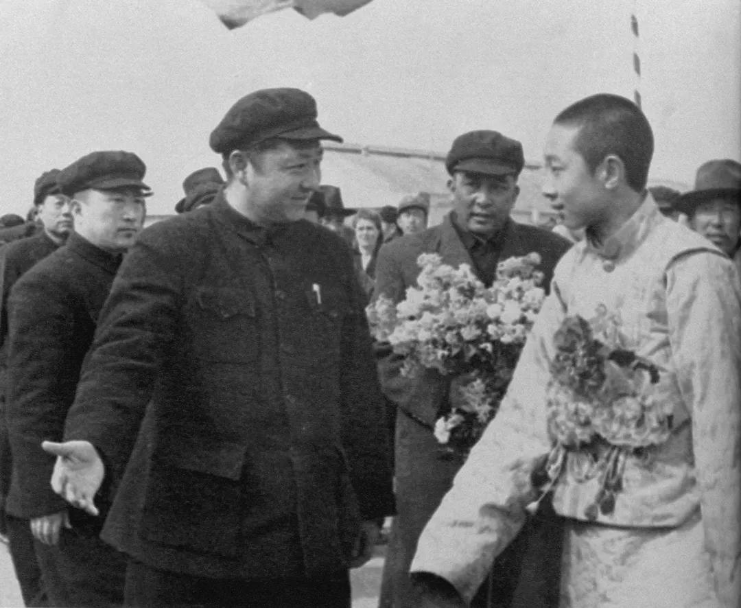【读史忆人 典故】十世班禅:速发义师,解放西藏
