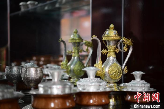 藏族匠人拉琼:以传统手艺传承民族文化