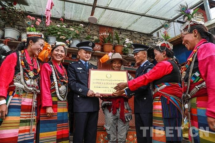 西藏陈塘:民族团结进步之花芬芳四溢