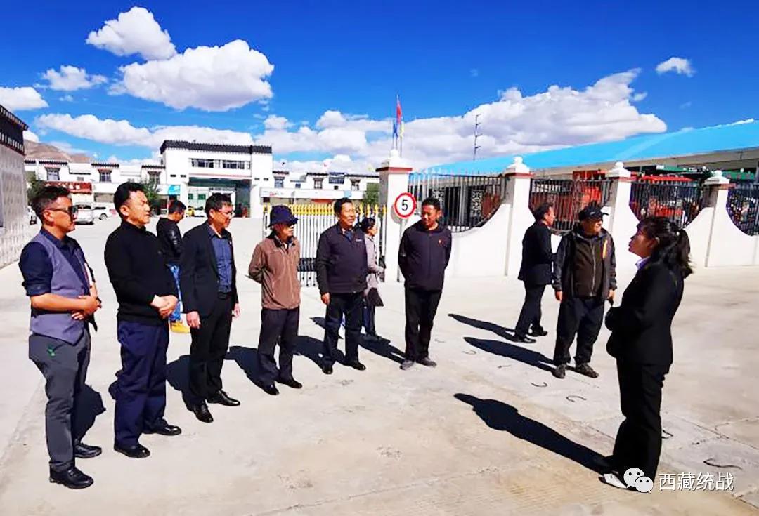 日喀则市人大常委会执法检查组赴西藏金塔集团江孜分公司开展民族团结进步创建检查指导工作