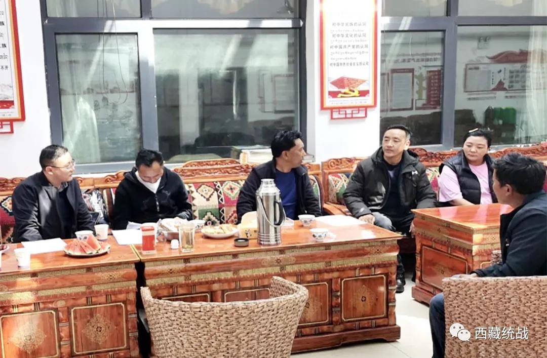 区党委统战部领导看望慰问驻村工作队